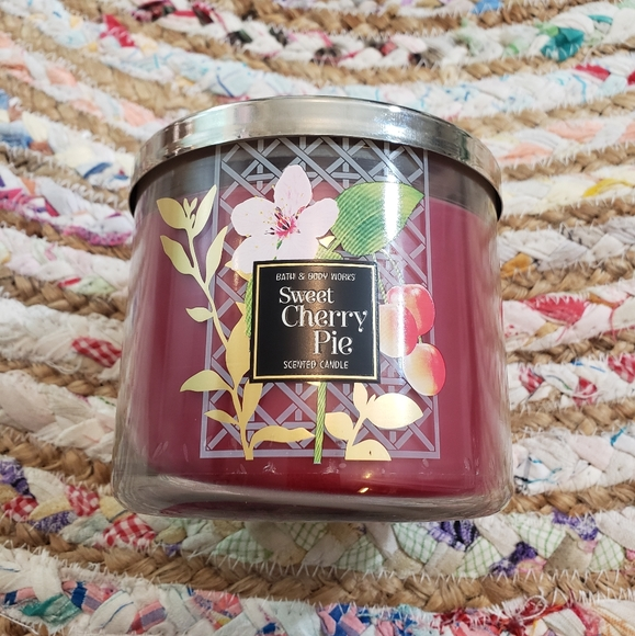 Sweet Cherry Pie 3 wick candle